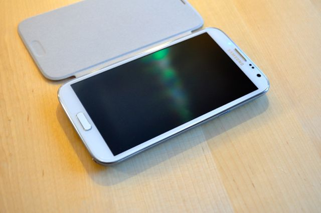 Quick Look:  Spigen Ultra Crystal Screen Shield & White Samsung Flip Cover-dsc_0012.jpg