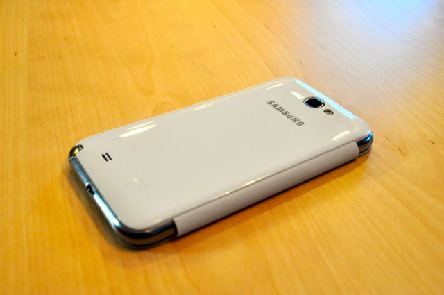 Quick Look:  Spigen Ultra Crystal Screen Shield & White Samsung Flip Cover-dsc_0005.jpg