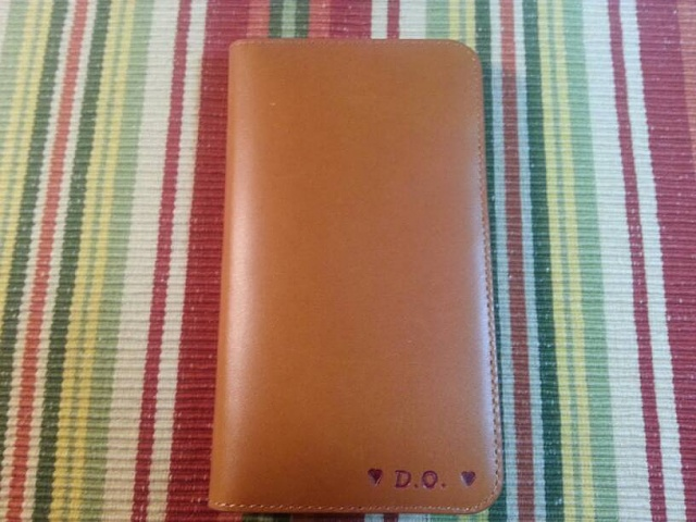 A really nice leather wallet case recommendation-uploadfromtaptalk1357732688272.jpg