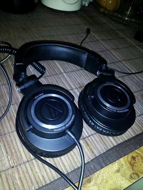 Music players and headphones.-uploadfromtaptalk1361089087904.jpg