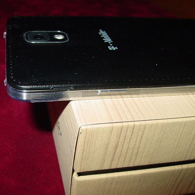 White and black Note 3 are different!-20401817570137613227.jpg