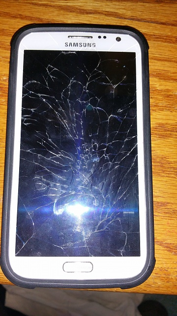 Samsung Galaxy Note 4 hate cases but scared to go naked-note2-crack.jpg