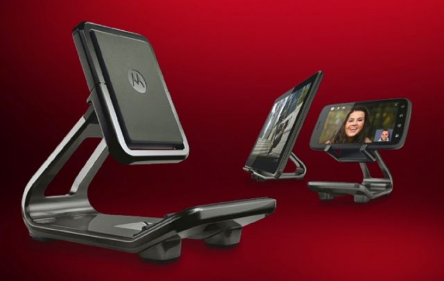 Portrait and Lanscape stand that doesn't keel over constantly?-motorola-flip-stand.jpg