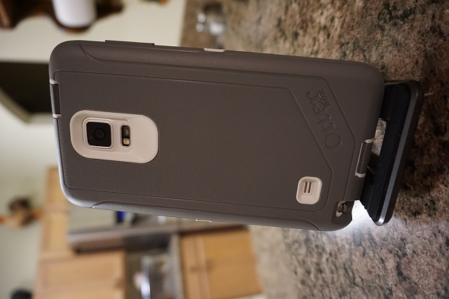 Otterbox Defender - Anyone remove the screen protector yet?-dsc00116.jpg