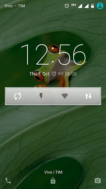is there a flashlight widget that will turn on the LED light instantaneously like on the old S5?-11746.jpg