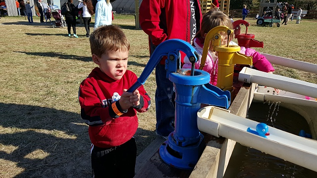 Note 5: Camera Shots! Show us your pictures-water-pumps.jpg