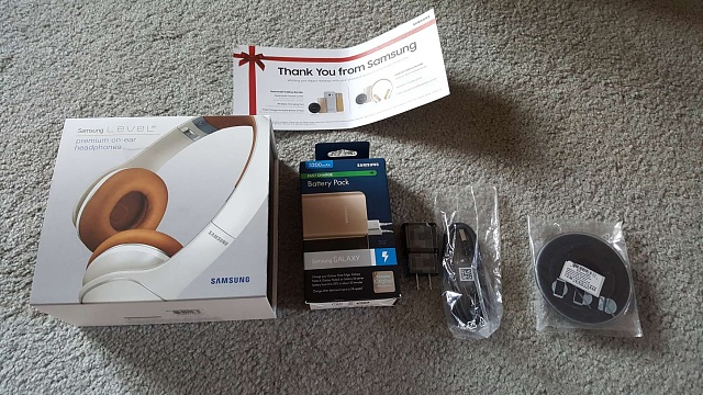 Note 5 - Just Got My Gifts of the Season-20150204_gots_box_contents1.jpg