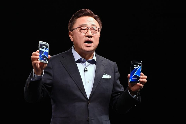 Samsung Working On Two Tempting Designs For Galaxy Note 6-960x0.jpg