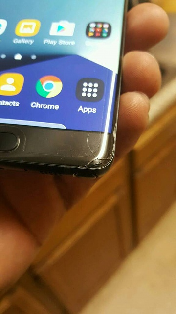 Note 7 Has A Screen Defect (phone cracked after being dropped)-3734.jpg