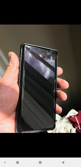 Cracked screen - has Whitestone Dome and a UAG case on... Both are fine....-screenshot_20180928-150945_textra.jpg