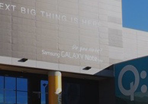 Samsung puts up a massive banner for the Note Edge at CES 2015, but why?-lead_fullbleed_ces2015_01.jpg