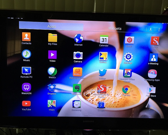 how to hook up my dvd to my samsung tv You want to buy a dvd recorder, but you need to know how to connect it to the rest of your home theater system check out some setup tips that might help.