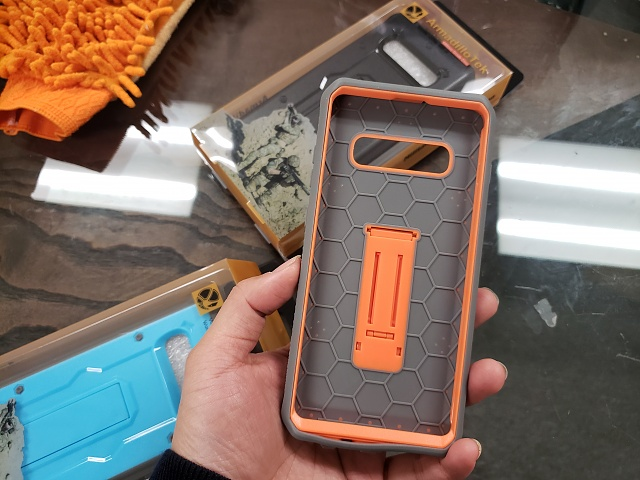 An almost perfect case for Galaxy S10 and S10 Plus, if there were Screen Protector built-in.-20190222_115233.jpg