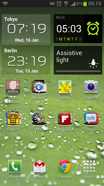 can't change bottom row of home screen apps galaxy s3-screenshot1.png