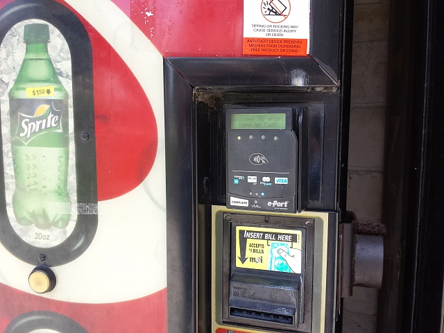 Google Wallet?  Who has used it on the Google Edition S4?-google-wallet-vending.jpg