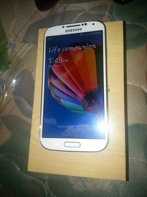 Galaxy S4 -  32GB-uploadfromtaptalk1367441378409.jpg