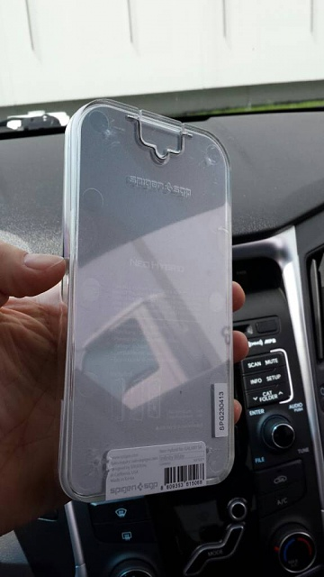 Spigen Neo Hybrid (Infinity White) Case Review-uploadfromtaptalk1367860383098.jpg