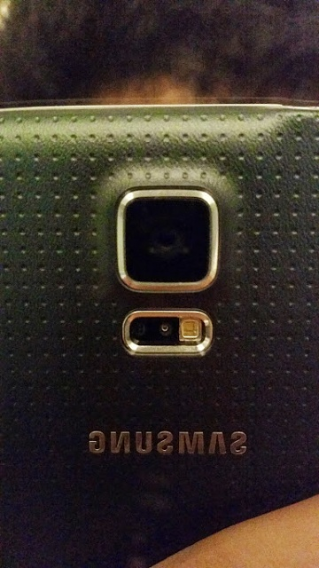 S5 back and camera not aligned properly-20140707_020814.jpg