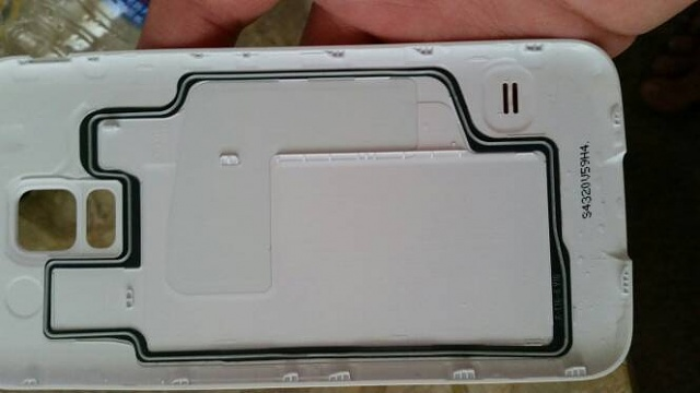 Water damage indicator - where is it located?-20140828_134604.jpg