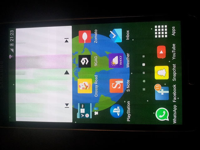 Why does my S5 display get a green-yellow filter when on low brightness?-20150312_212316-1-.jpg
