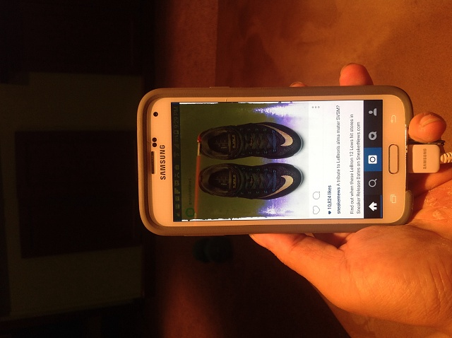 Samsung Galaxy S5 Cracked Water Damaged Screen Android