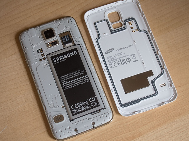 Accidentally pulled a metal sticker off back of phone-gs5-wireless-charging-9.jpg