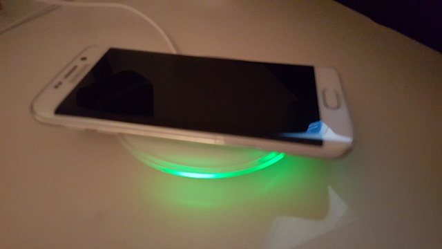 S6 S New Circular Wireless Charging Pad Always On Led