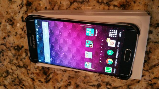 Does a case make it more difficult to swipe on the curved edge?-20150410_160651.jpg