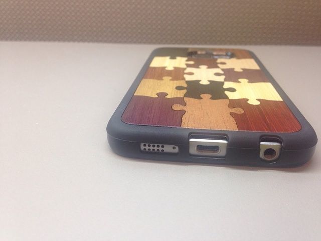 """Review of real wood case, Carved """"Random Puzzle"""" Traveler case-bottomcutouts.jpg"""