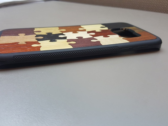 """Review of real wood case, Carved """"Random Puzzle"""" Traveler case-rightbuttons.jpg"""