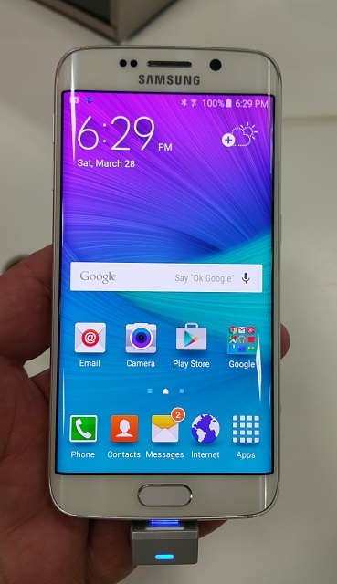 Hands-on experiences at brick and mortar stores--reader thoughts (S6/S6E preference)?-s6white.jpg