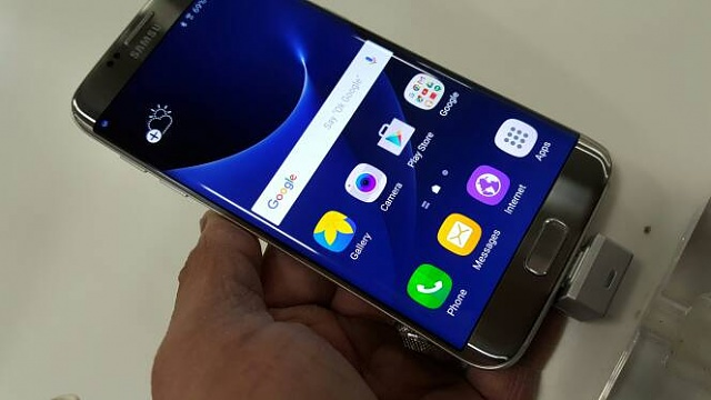 Image result for samsung s7 edge phone DISPLAY
