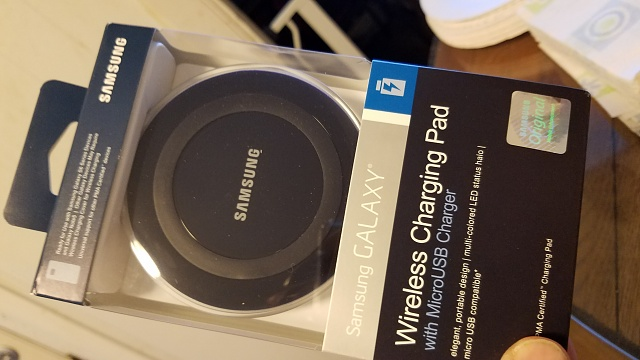 Wireless charging / Screen comes on.-20160314_155124.jpg