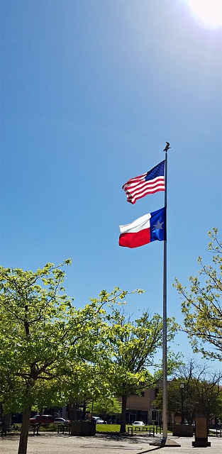Photos taken with the S7/S7 Edge-s7-flags.jpg