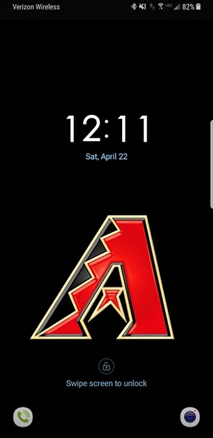 Is there a way to change the clock on the lock screen on the S8?-without.jpg