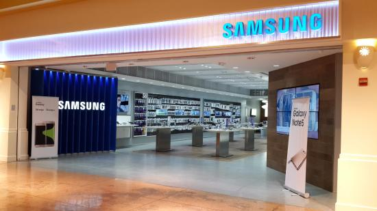 When the new iPhone launches, what will you do?-local-de-samsung.jpg