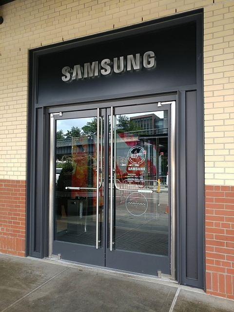 I found a cool Samsung pop-up experience in New York!-20170713_115555-01.jpg