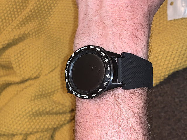 Is there a 46mm/frontier style watch strap available for the 42mm samsung watch-16e31789-a352-4aa6-942d-92592038d21f.jpg