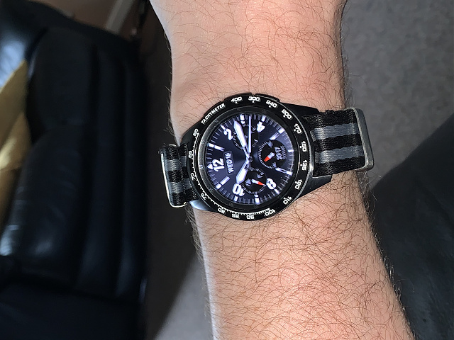 Is there a 46mm/frontier style watch strap available for the 42mm samsung watch-f259a28f-cdc9-4312-9537-e9306ec502e0.jpg