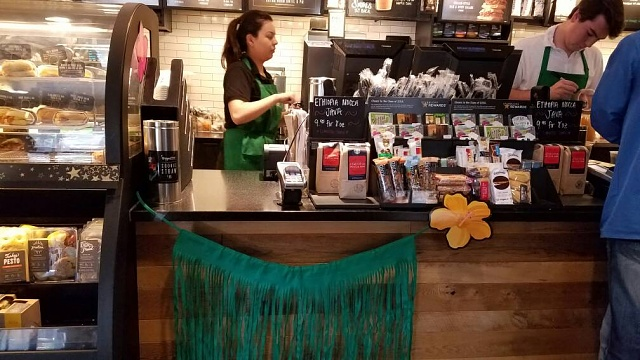 Starbucks starts putting the terminal out in the open-uploadfromtaptalk1462833249806.jpg