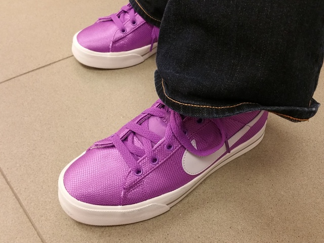 Pictures from the z3v Camera???-nike-purple.jpg