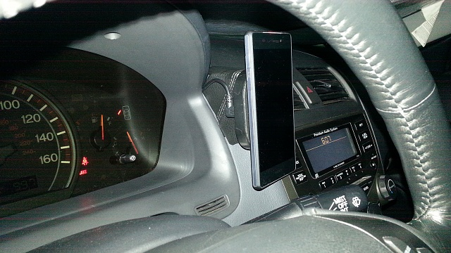 Anybody have the Air Dock? A wireless charging car mount.-20150430_180746.jpg
