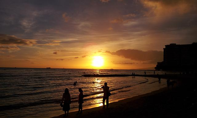 Post Pictures & Video's taken with your Epic 4G Touch-waikiki_beach_sunset_9-10-12.jpg