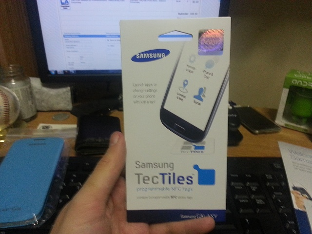 Just received my free flip cover and tec tiles from Samsung!-20130211_163338.jpg