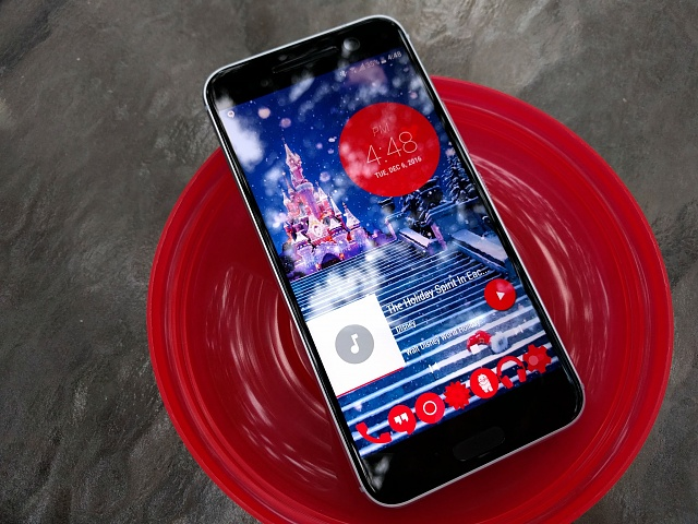 Touch Circle Live Wallpaper Contest-touch-circle-holiday-deck-htc-10.jpg